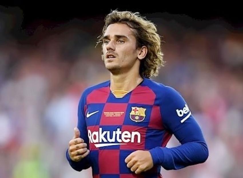 برشلونة يرد على اهتمام قطبي مانشستر بجريزمان