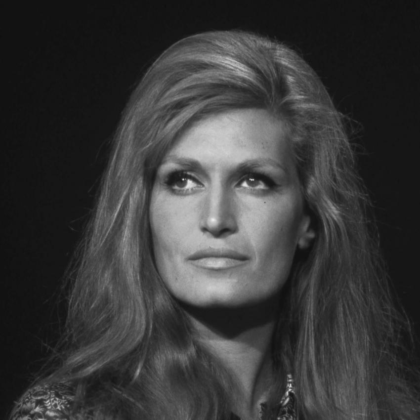 انتحر كل من أحبها.. داليدا أسطورة الغناء التي لاحقها سوء الحظ حتى وفاتها