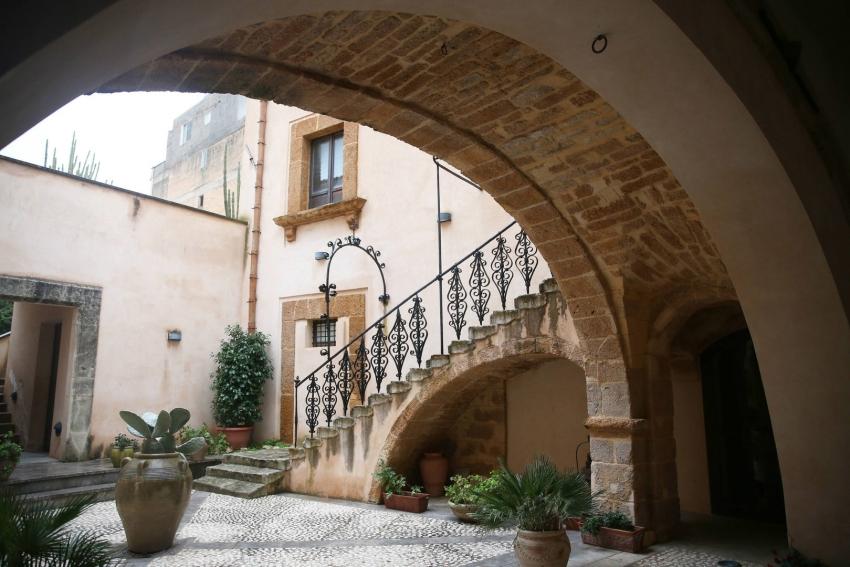 عرض من الخيال.. منازل في إيطاليا معروضة للبيع بيورو واحد