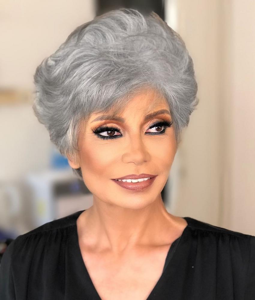 سوسن بدر أول رئيس شرف لمهرجان ايزيس الدولي لمسرح المرأة