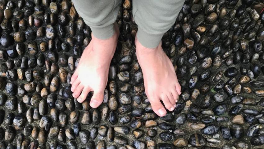 ماذا تقول قدماك الباردتان دائما عن صحتك؟