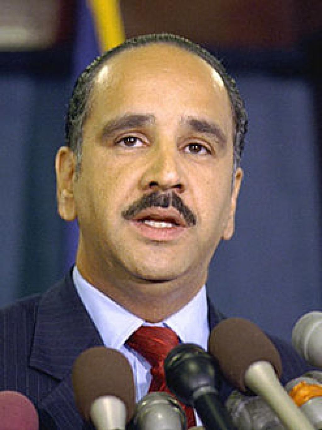 الشريف علي بن الحسين يعلن ترشيحه لرئاسة الوزراء