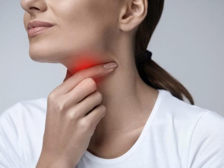 علاج التهاب الحلق واللوز بوصفات من الطبيعة