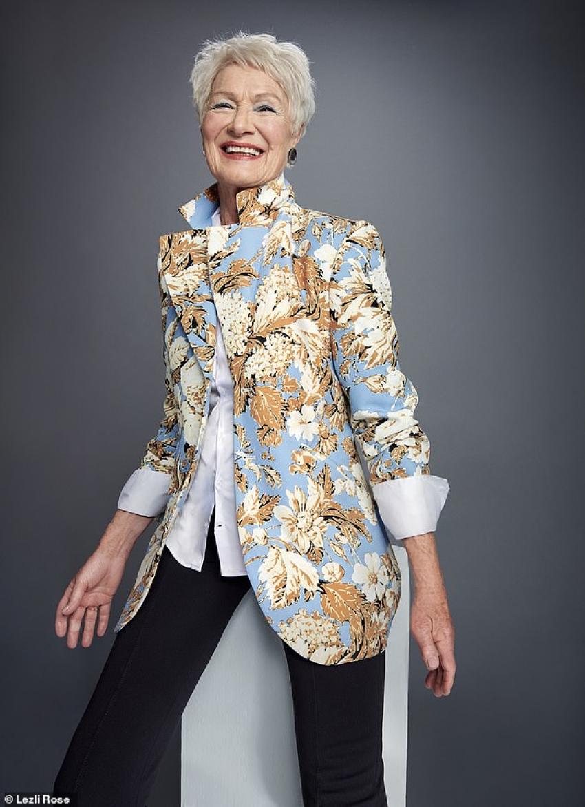 في عمر الـ80.. عجوز تحقق حلمها وتصبح عارضة أزياء
