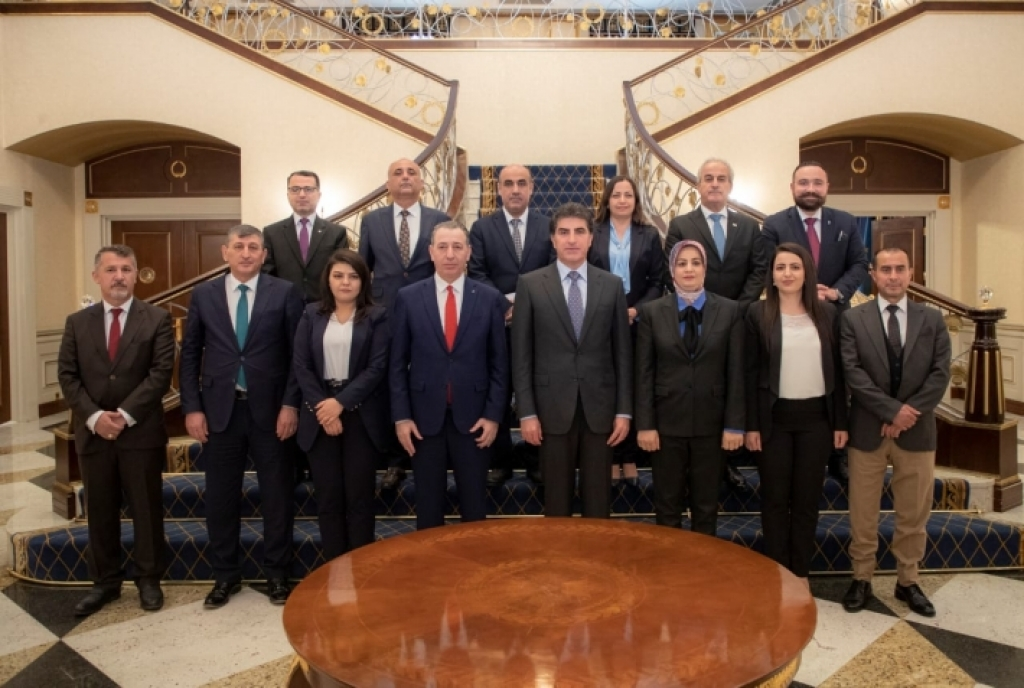 رئيس إقليم كوردستان يجدد دعمه الكامل لحقوق المكونات