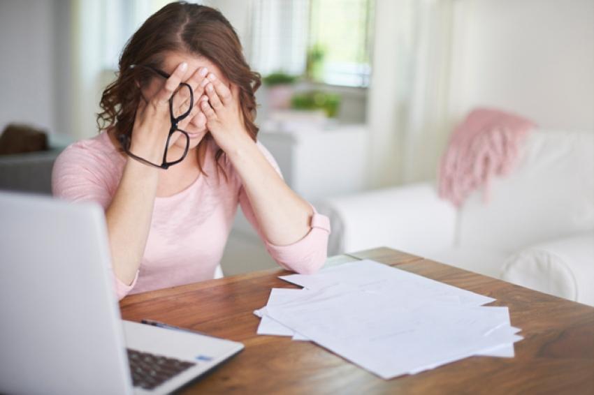 """هل تستغرق ساعات لاتخاذ أبسط القرارات؟ تعرف على تأثير """"قلق فومو"""""""