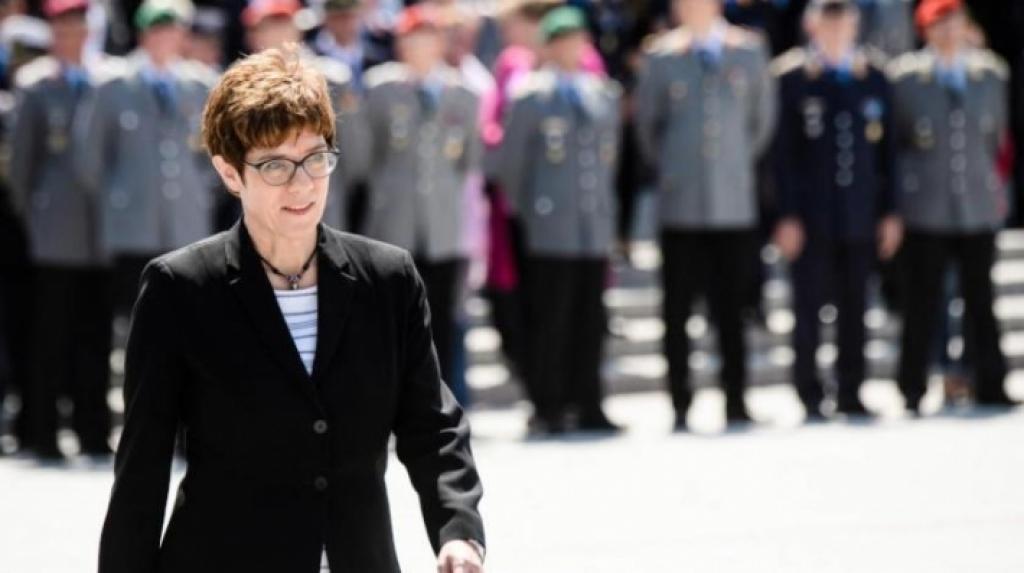 وزيرة الدفاع الألمانية تصل أربيل