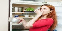 مخاطر صحية وفقدان لفوائدها.. أغذية يجب ألا تضعها في الثلاجة